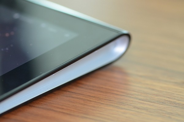 Sony S Tablet - Side view
